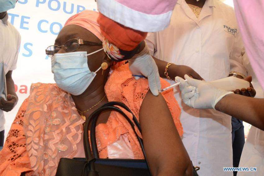 L'arrivée du vaccin anti-Covid fait couler beaucoup d'encre au Sahel